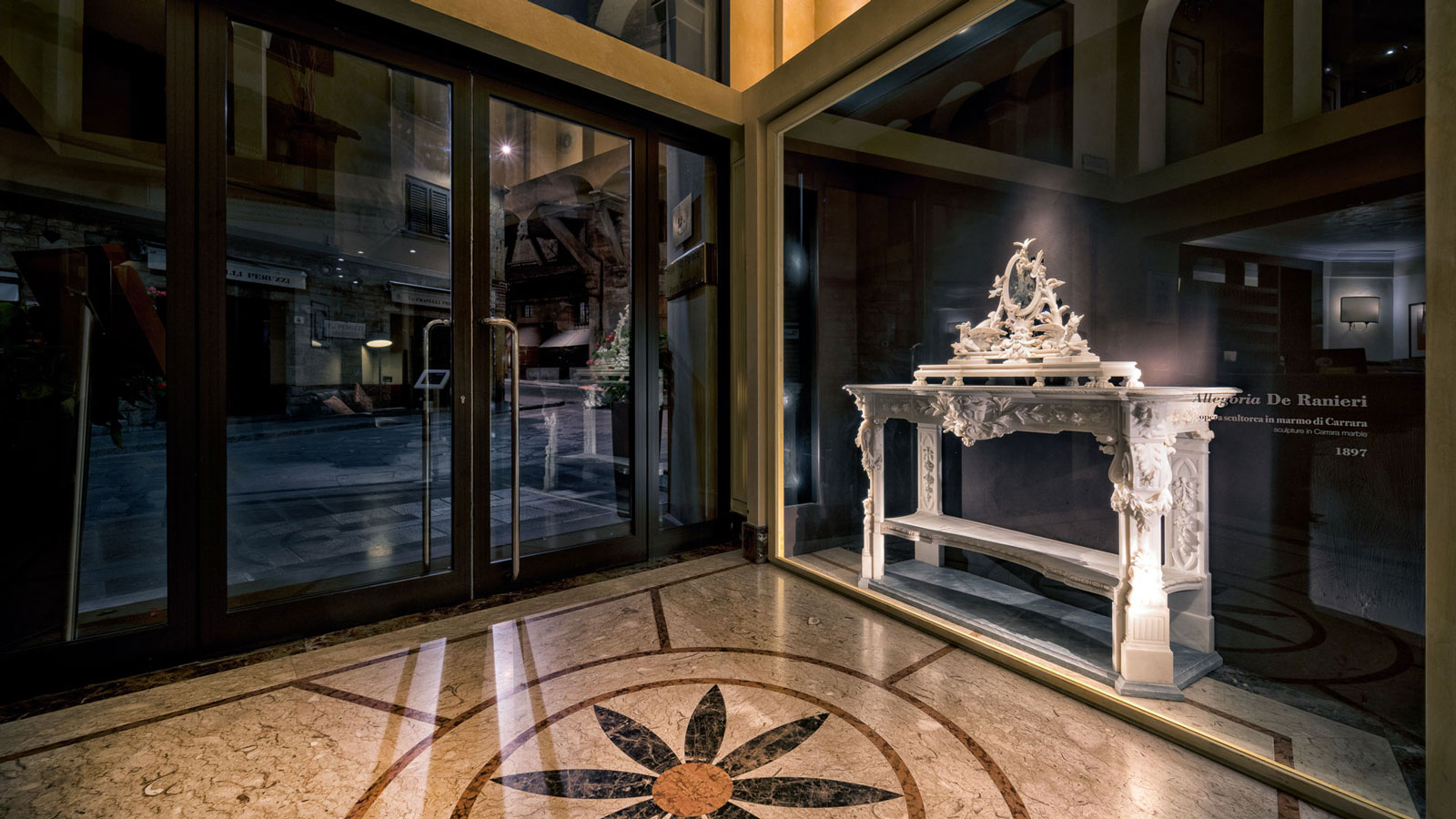 hall-hotel-pitti-palace-01